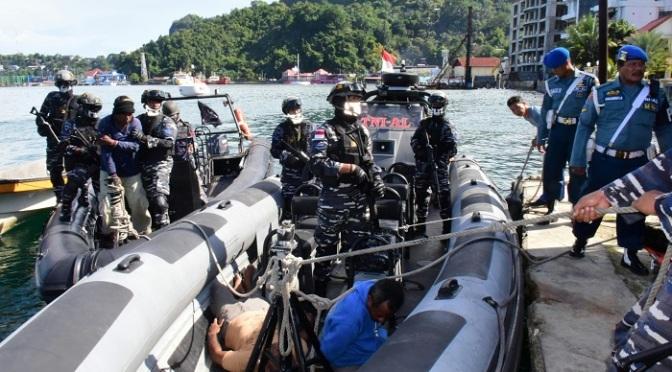 Tim VBSS Lantamal X Berhasil Menggagalkan Penyelundupan Senjata Dari PNG