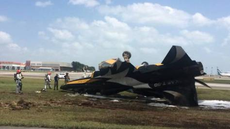 A South Korean plane taking part in the Singapore Airshow 2018 skidded and crashed at Changi Airport on Tuesday (Feb 6). (Facebook - Mohamed Akbar) 1