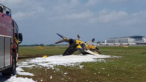 A South Korean plane taking part in the Singapore Airshow 2018 skidded and crashed at Changi Airport on Tuesday (Feb 6). (Facebook - Mohamed Akbar)