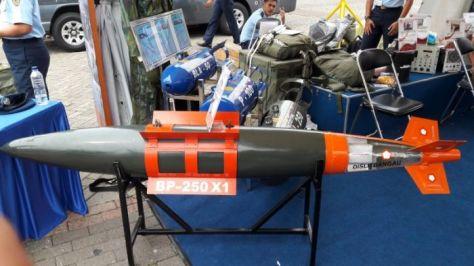 Bom pintar buatan TNI AU (dislitbangau)