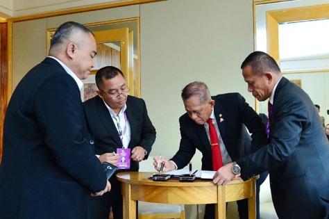 """Enam Menhan ASEAN Tandatangani Perjanjian Kerja Sama """"Our Eyes"""" dalam ADMM Retreat 2018"""