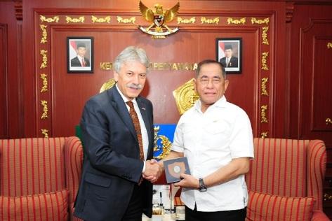 Menteri Pertahanan Republik Indonesia Ryamizard Ryacudu menerima kunjungan kehormatan Duta Besar Kroasia Untuk Indonesia H.E. Mr. Drazen Margeta.