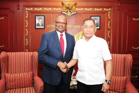 Menteri Pertahanan Republik Indonesia Ryamizard Ryacudu menerima kunjungan kehormatan Duta Besar Nigeria Untuk Indonesia H.E. Mr. Hakeem Toyim Balogun.
