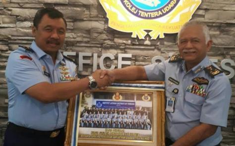 Penerbang TNI AU Mengikuti Sekolah Instruktur Penerbang di Malaysia