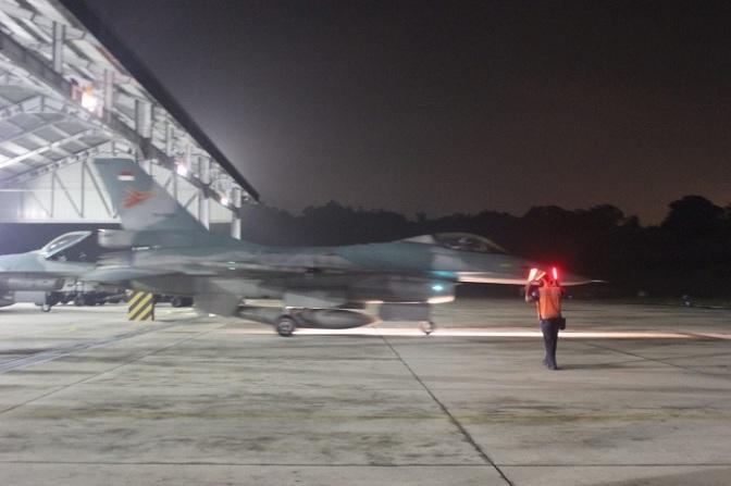 Skadron Udara 16 Latihan Terbang Malam