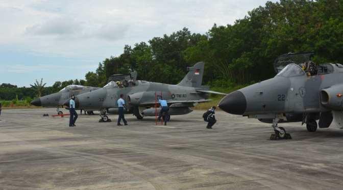 Latihan Hanud Kilat B-18 di Makassar