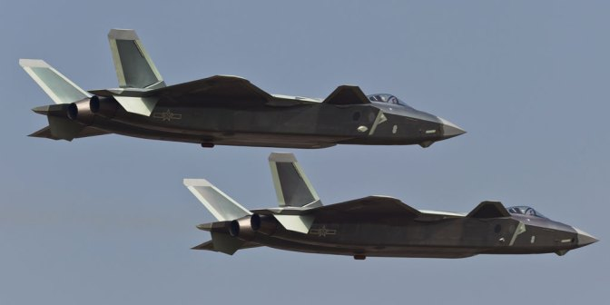 China Kembangkan Varian J-20