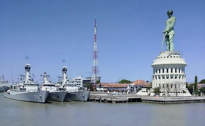 Pangarmatim Serahkan Kapal Perang ke Setiap Lantamal