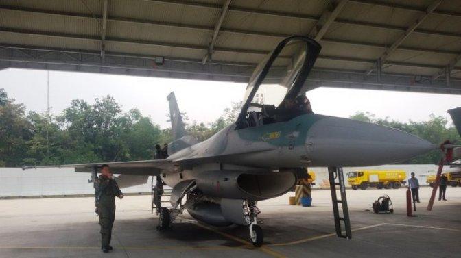 Lima Unit F-16 Tiba di Lanud Roesmin Nurjadin