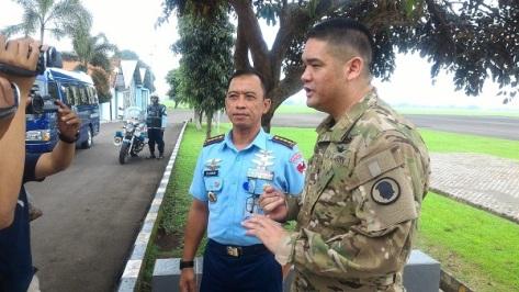 Sebanyak 8 orang Hawai Army National Guard dipimpin oleh Ltc. Joseph Tolentino melakukan kunjungan ke Lanud ATS. (TNI AU)