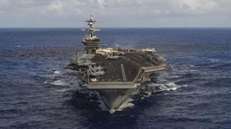 USS Carl Vinson mengunjungi Vietnam, menandai keberadaan terbesar militer AS di negara tersebut sejak perang berakhir. (U.S. Navy Photo by Mass Communication Specialist 3rd Class Tom Ton